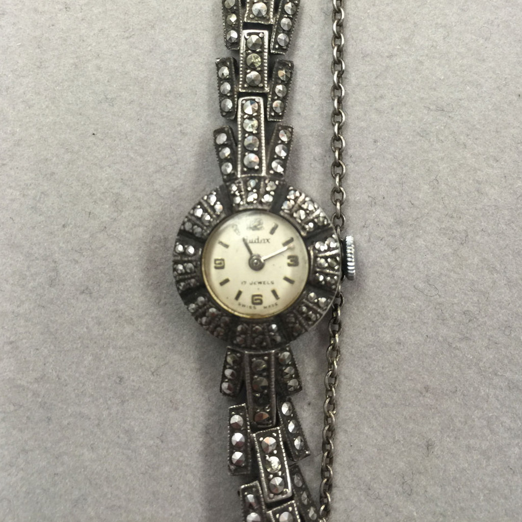 Ladies vintage swiss watch 1940