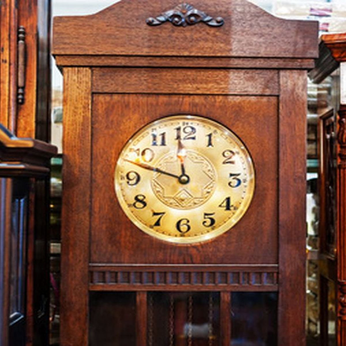 Things to Look for When Repairing a Grandfather Clock